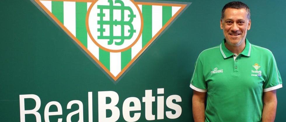 Alejandro Martínez no quiere hablar del Real Betis