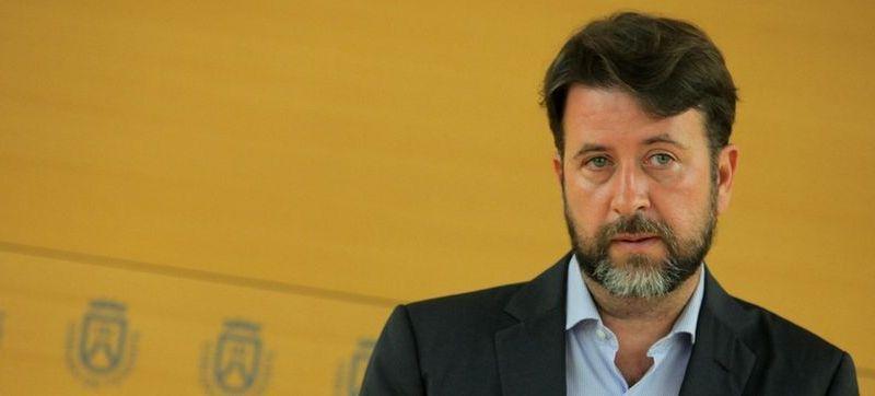 Alonso considera que «la pelota del Mundial no está en el tejado del Cabildo» y que se hará «si CSD y FEB financian una parte»