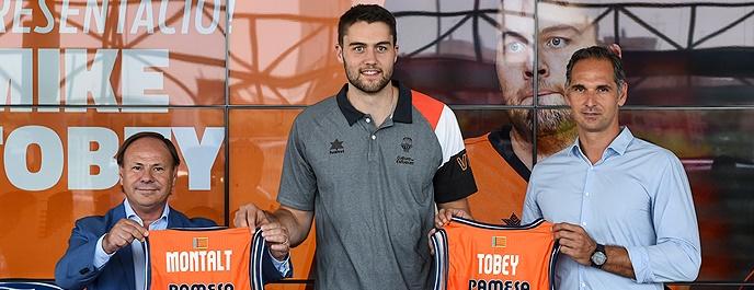 El ex aurinegro Tobey: «Volver al Valencia es la decisión correcta»