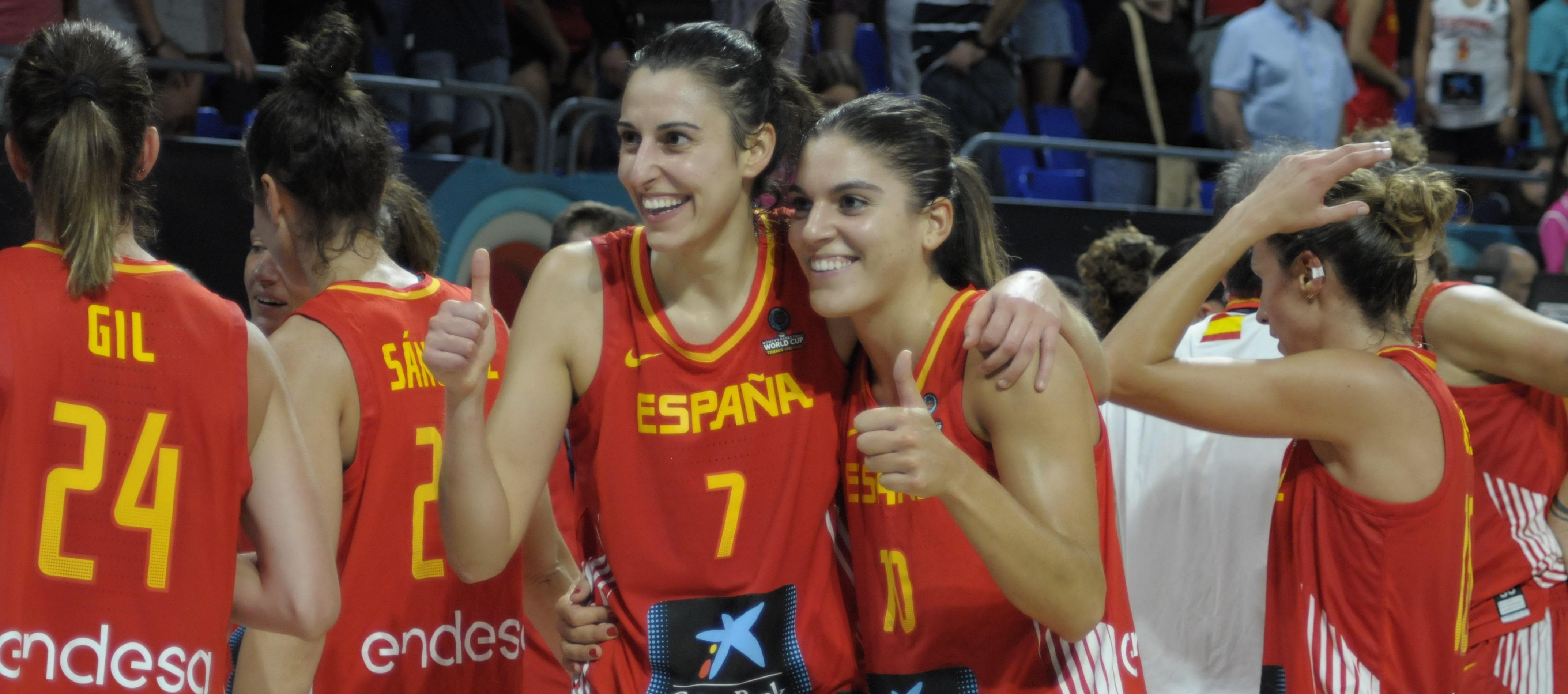 La afición espolea a España a superar a Canadá y meterse en semifinales del Mundial de Tenerife