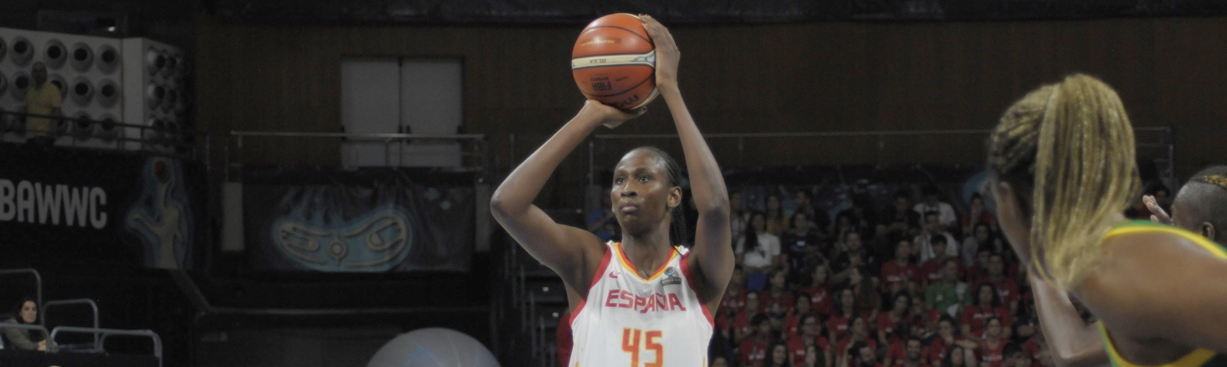 Ndour: «Por un lado estoy contenta y por otro me sabe mal eliminar a Senegal»