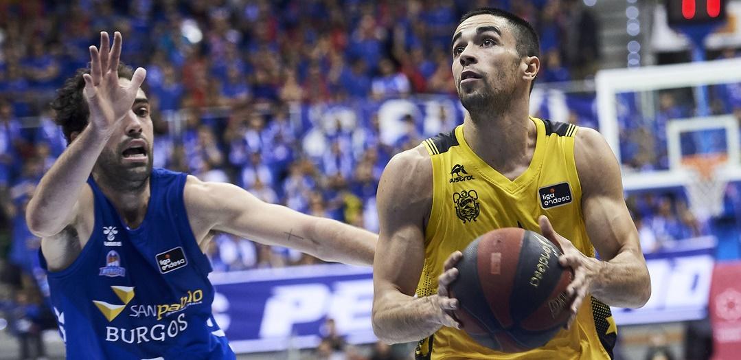 Gran partido de Álex López en su vuelta a Burgos