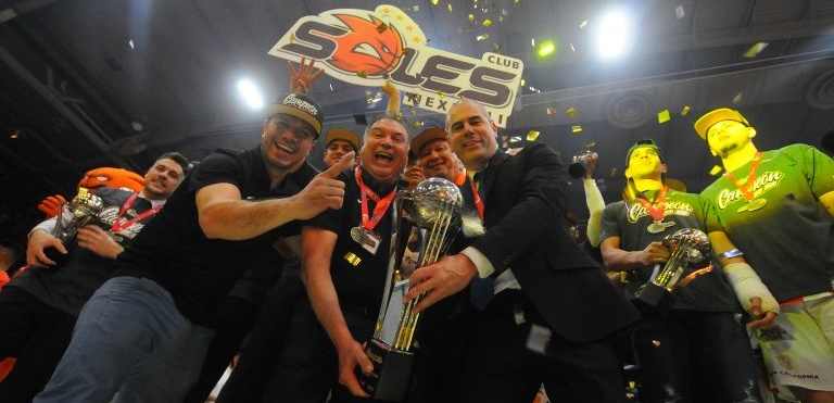 El tinerfeño Iván Déniz logra su tercer título de Liga en México
