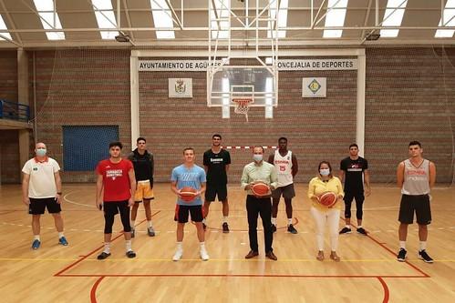 Futuras estrellas del baloncesto español entrenan en Gran Canaria con el técnico croata Davor Matkovic