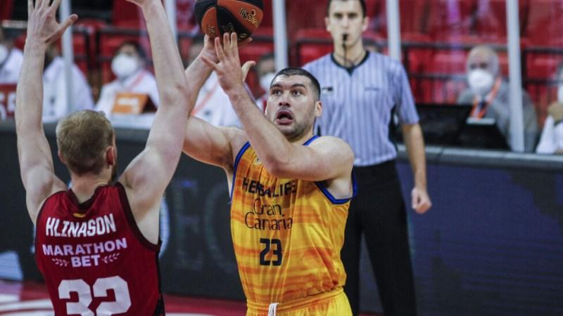 Burjanadze entiende «el cabreo» del aficionado: «Me da vergüenza ir a cenar tras una derrota»