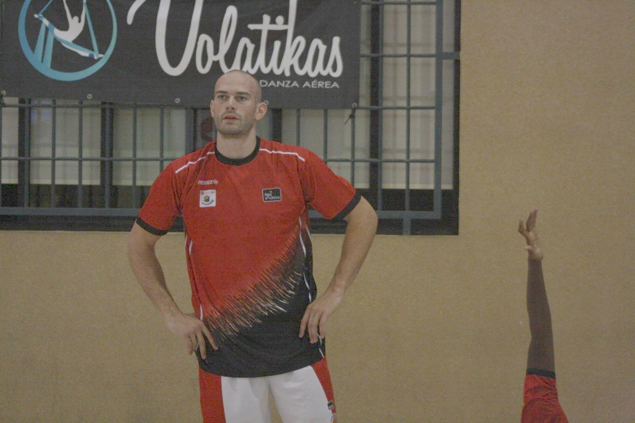 Gillet regresa al Oostende y podría jugar frente al Cantera Base 1939 Canarias en BCL