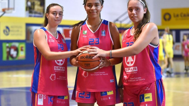 Las cadetes tinerfeñas Vera, Padilla y Brito, del Central al Islas Canarias