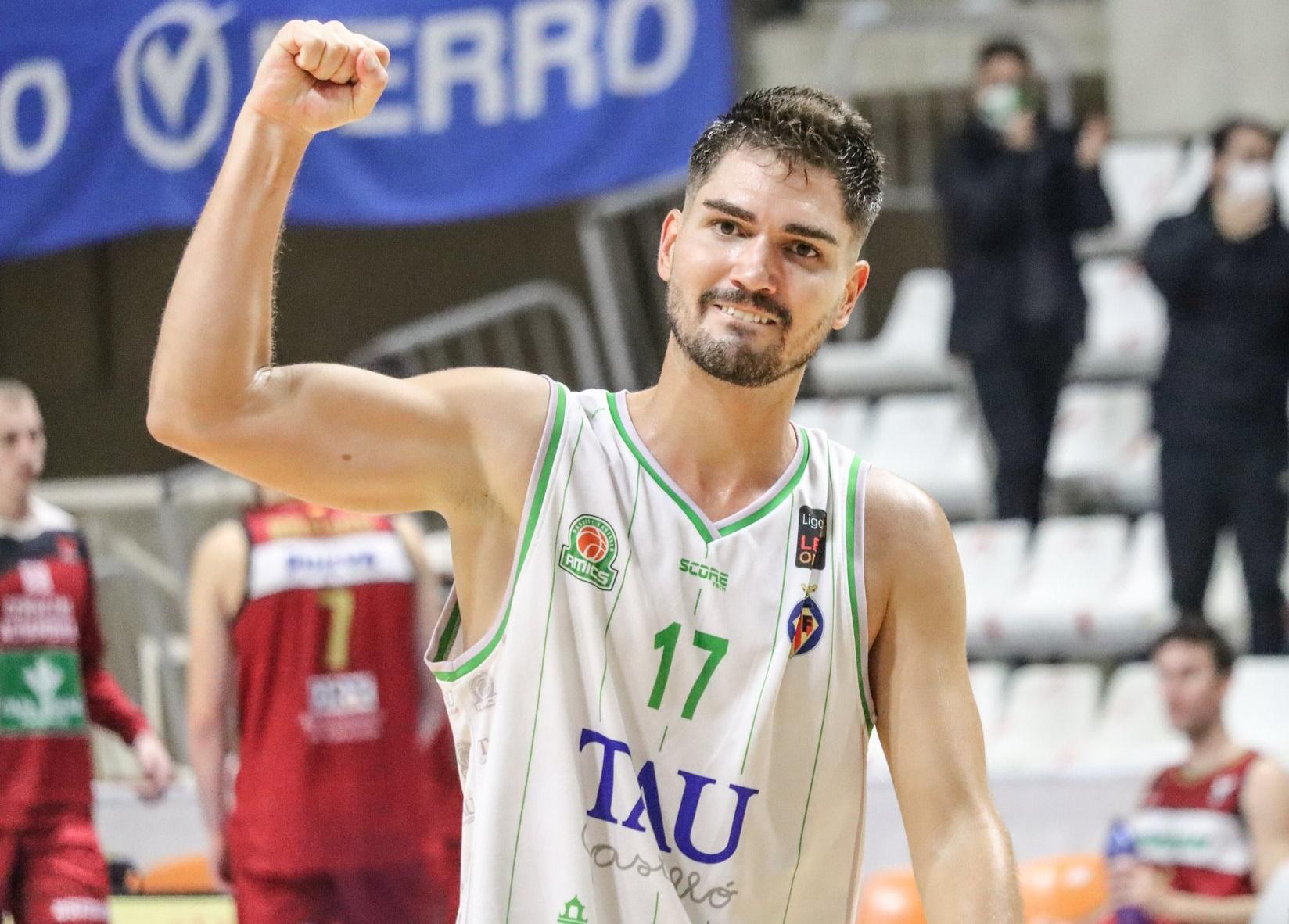 Óscar Alvarado quiere ascender y jugar ACB en Castellón