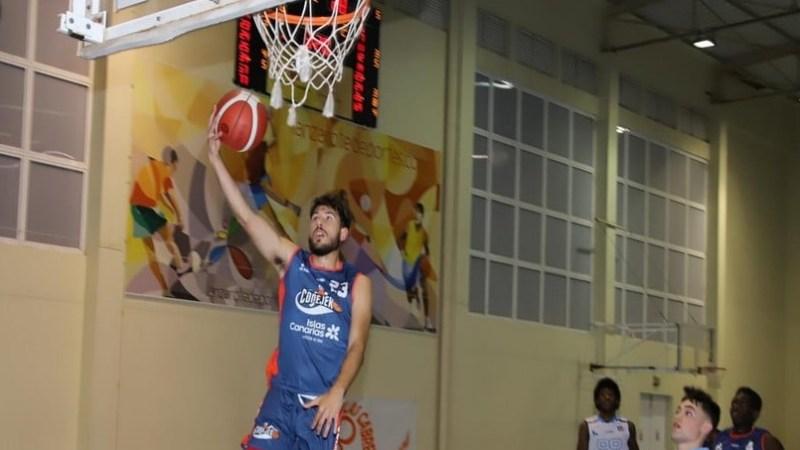 Jonathan Miranda, desde el CB Santa Cruz a debutar en EBA con el Conejeros