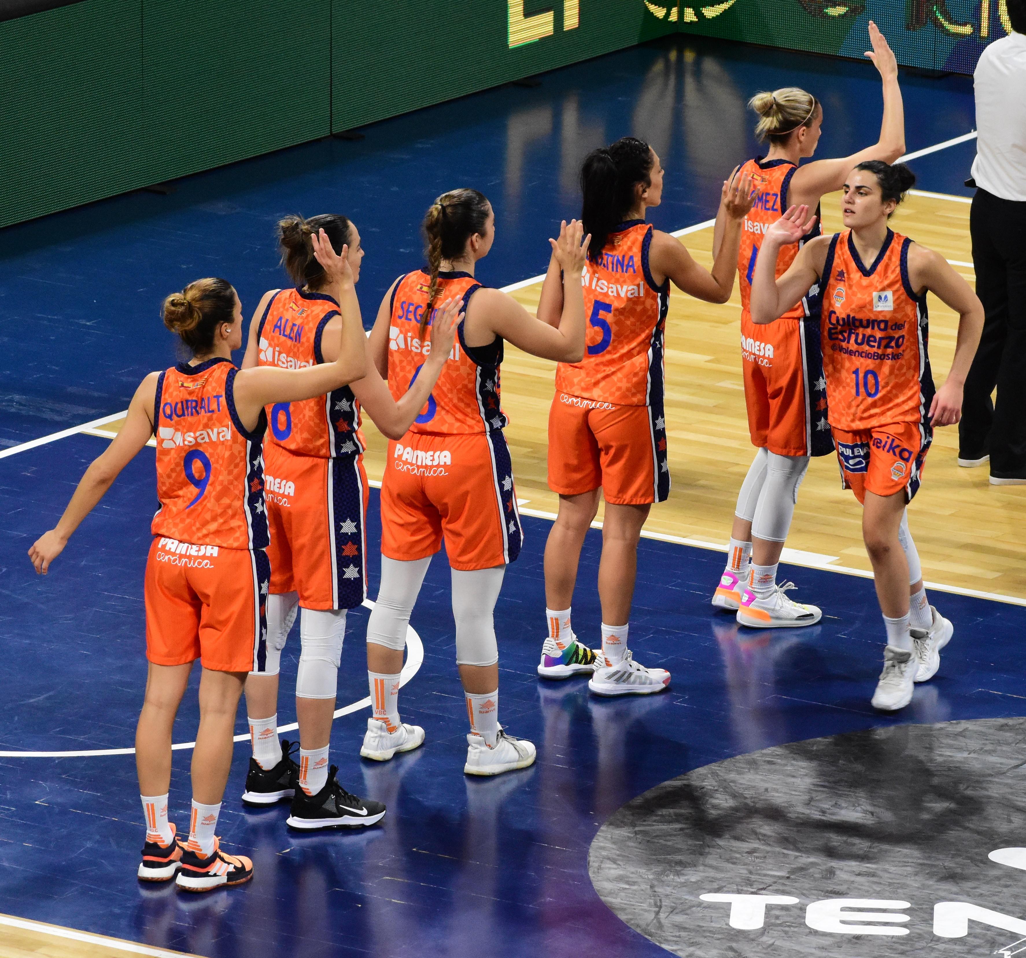 Un brote de COVID-19 en el Valencia Basket aplaza dos partidos de Liga Femenina