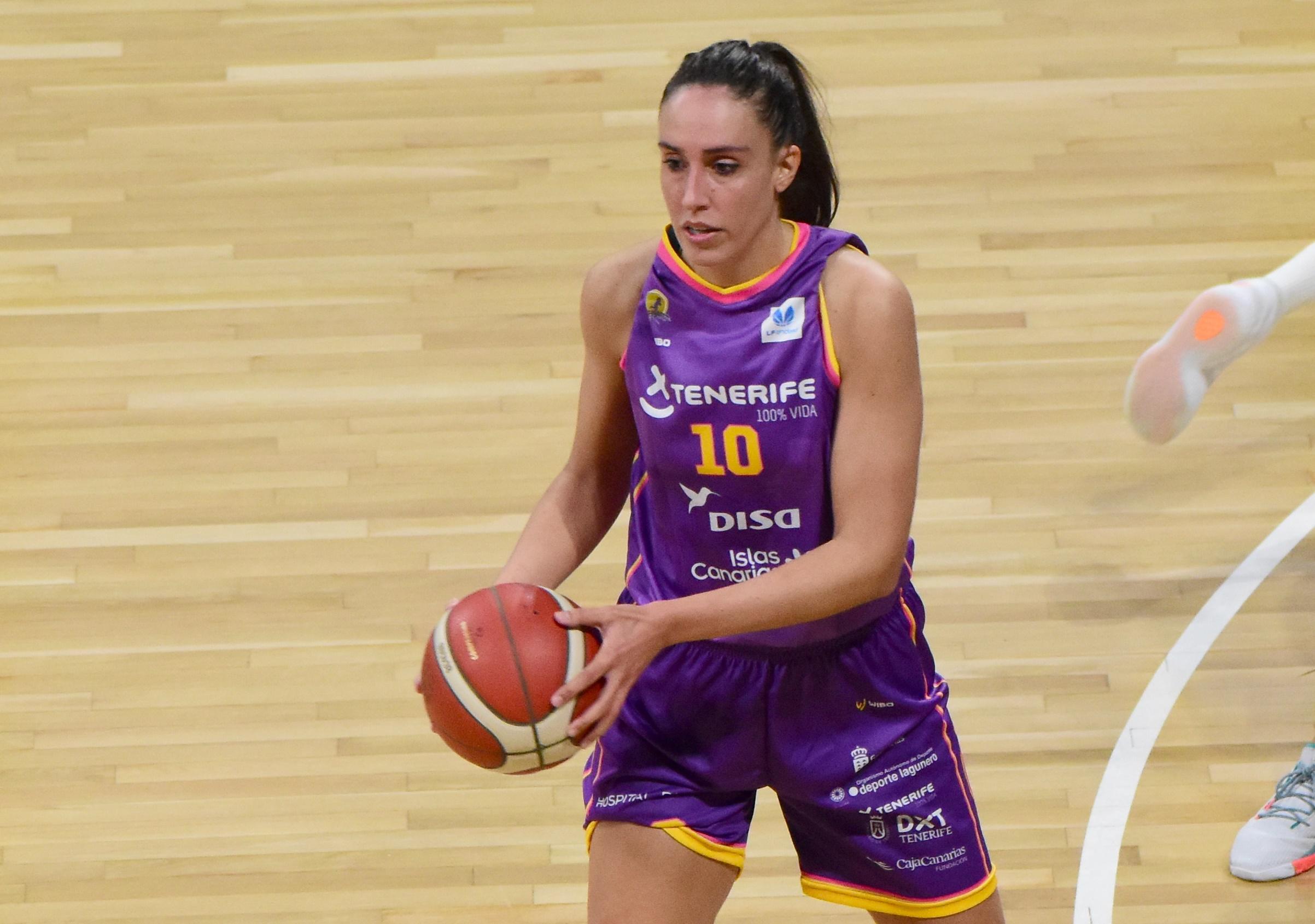 La tinerfeña Laura Herrera deja el baloncesto en activo