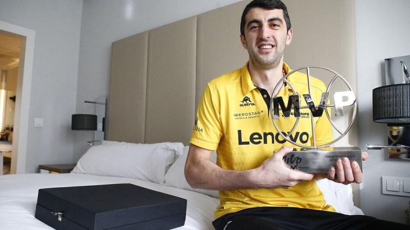 Shermadini llega a Madrid para jugar la Copa y tiene una entrega sorpresa del 'MVP' de enero