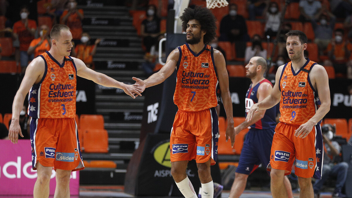 Valencia elimina a Baskonia y se clasifica a semifinales