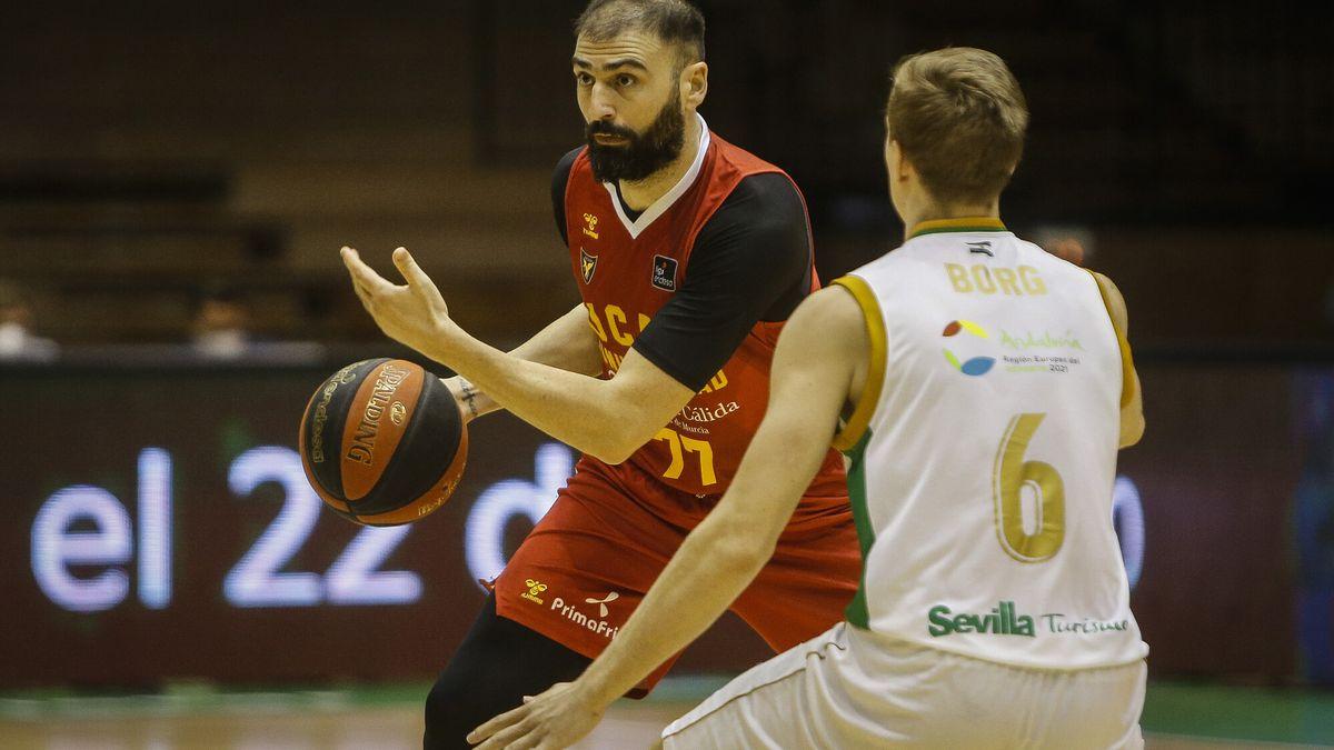El UCAM Murcia renueva a Kostas Vasileiadis para la próxima temporada