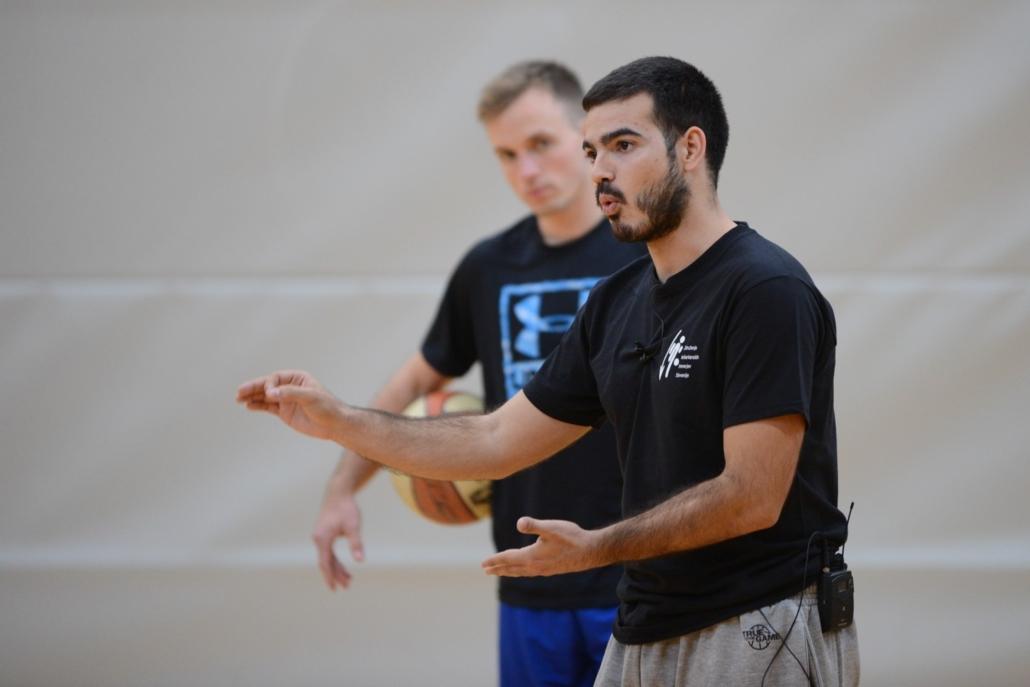 Héctor Sánchez, entrenador del Joventut, estará en la Escuela de verano del CB Santa Cruz