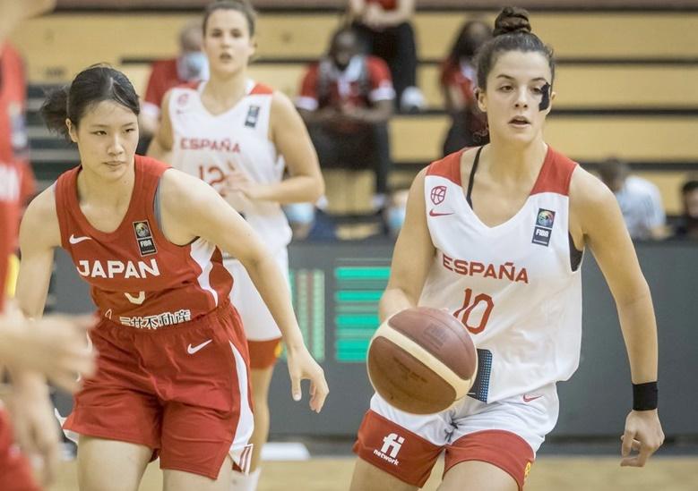 La tinerfeña Elena Buenavida guía a España en la victoria ante Japón para llegar a cuartos del Mundial U19