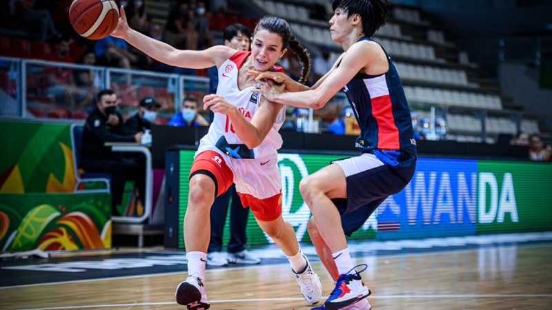Buena actuación de Elena Buenavida en el debut victorioso de España en el Mundial U19
