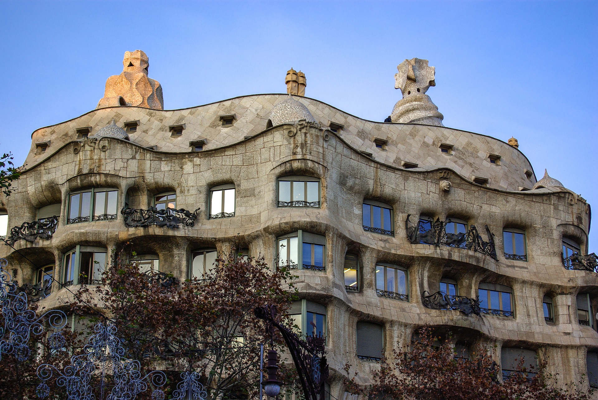 facts about casa mila for kids a gaudi building in barcelona spain