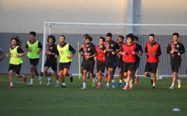 منتخب العراق يخوض اولى الوحدات التدريبية في دبي