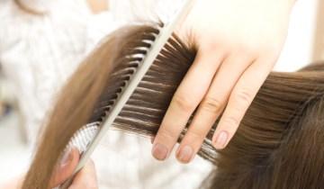 Wanita potong rambut semasa haid