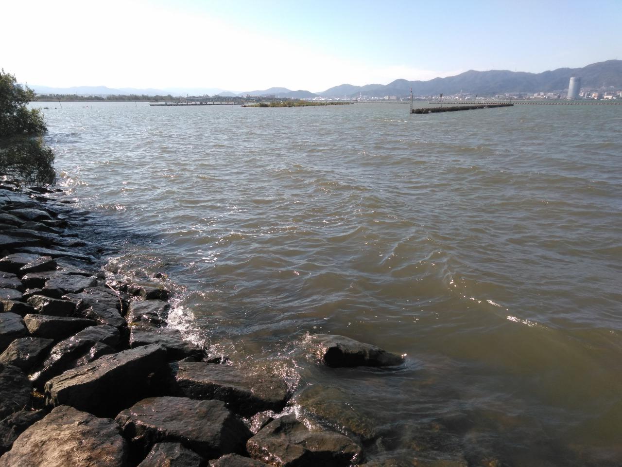 強風ふきすさぶ琵琶湖の北山田エリア