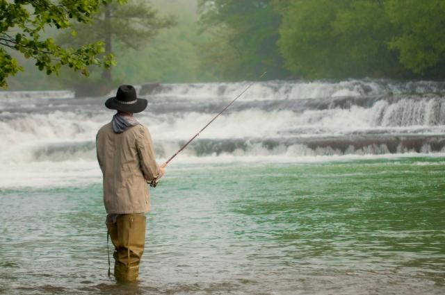 【2019年版】梅雨を乗り切れ!雨の日でも釣り人が楽しむ方法