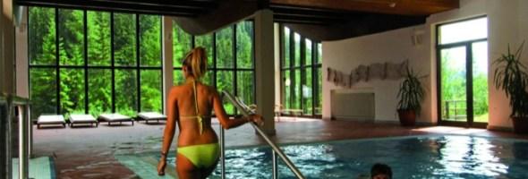 Vacanza attiva a Madonna di Campiglio: skipass e corsi di sci inclusi nel prezzo di soggiorno al Residence Hotel Ambiez