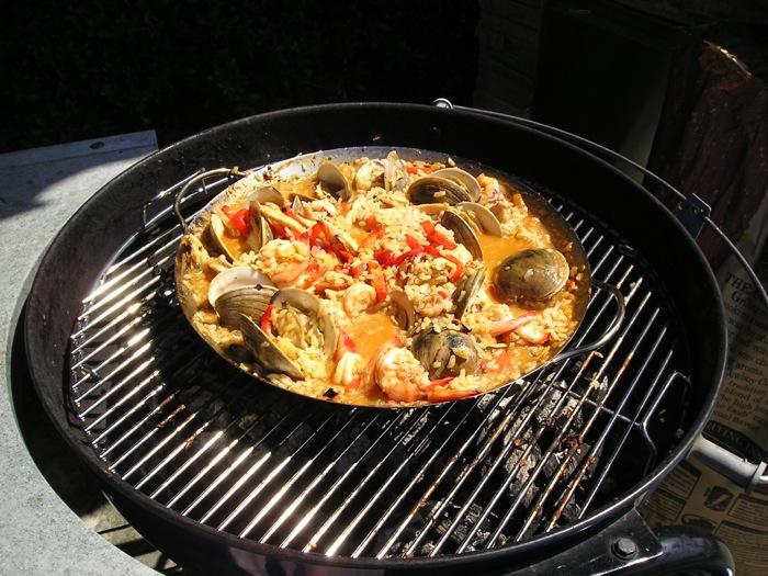 Ricetta della paella su barbecue Weber dello Chef Gianfranco Lo Cascio