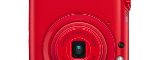 Una fotocamera da sfilata: è l'elegante Nikon Coolpix S01