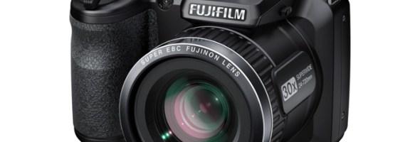 Dentro l'azione con FinePix S4600 e S4800: FUJIFILM amplia la gamma di fotocamere bridge con due nuovi modelli per il neofita e per il fotografo più evoluto