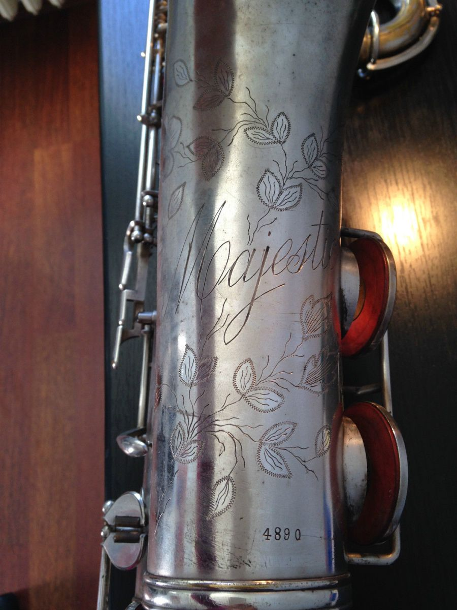 Majestic tenor saxophone, silver plated sax, saxophone bell engraving