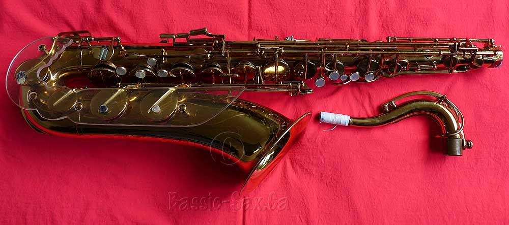 Jubilee tenor saxophone, tenor sax, Julius Keilwerth, stencil saxophone, Toneking, gold lacquer, red cloth, sax neck