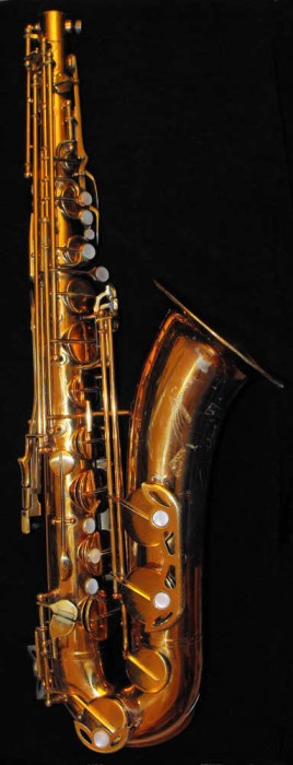 De Villiers Tenor Saxophone, gold lacquer, black background