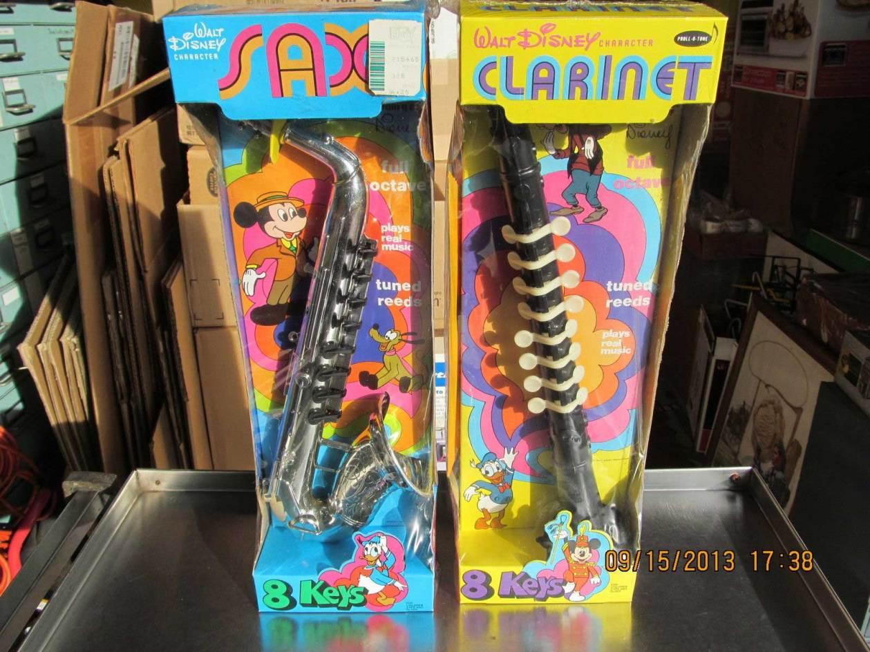 Proll-O-Tone toy sax, Walt Disney character toy sax, 8 key proll-o-tone saxophone, vintage plastic toy sax, vintage toy