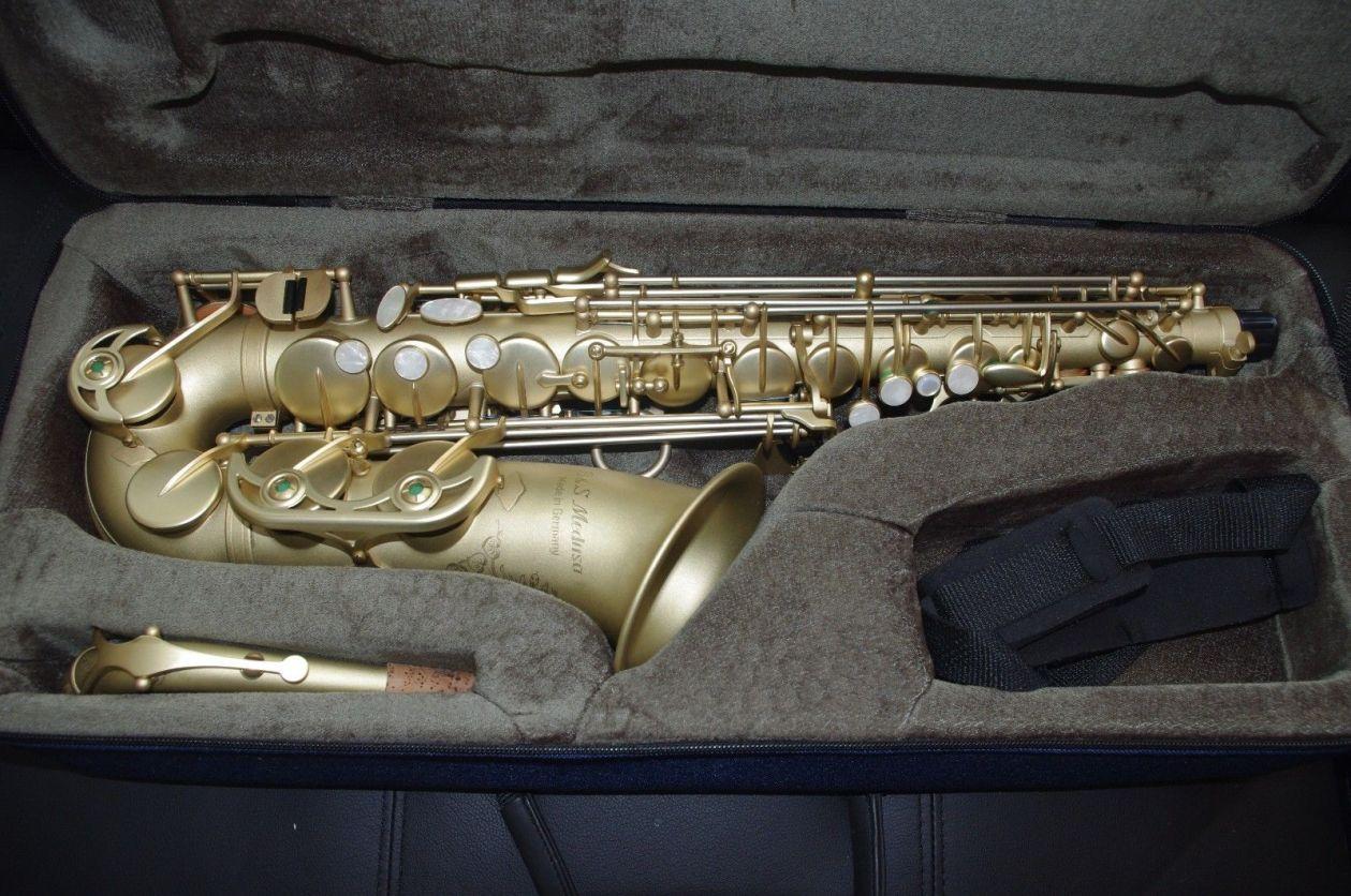 Series 2006 - Medusa, alto sax in case, sandblast finish, B&S Medusa alto saxophone