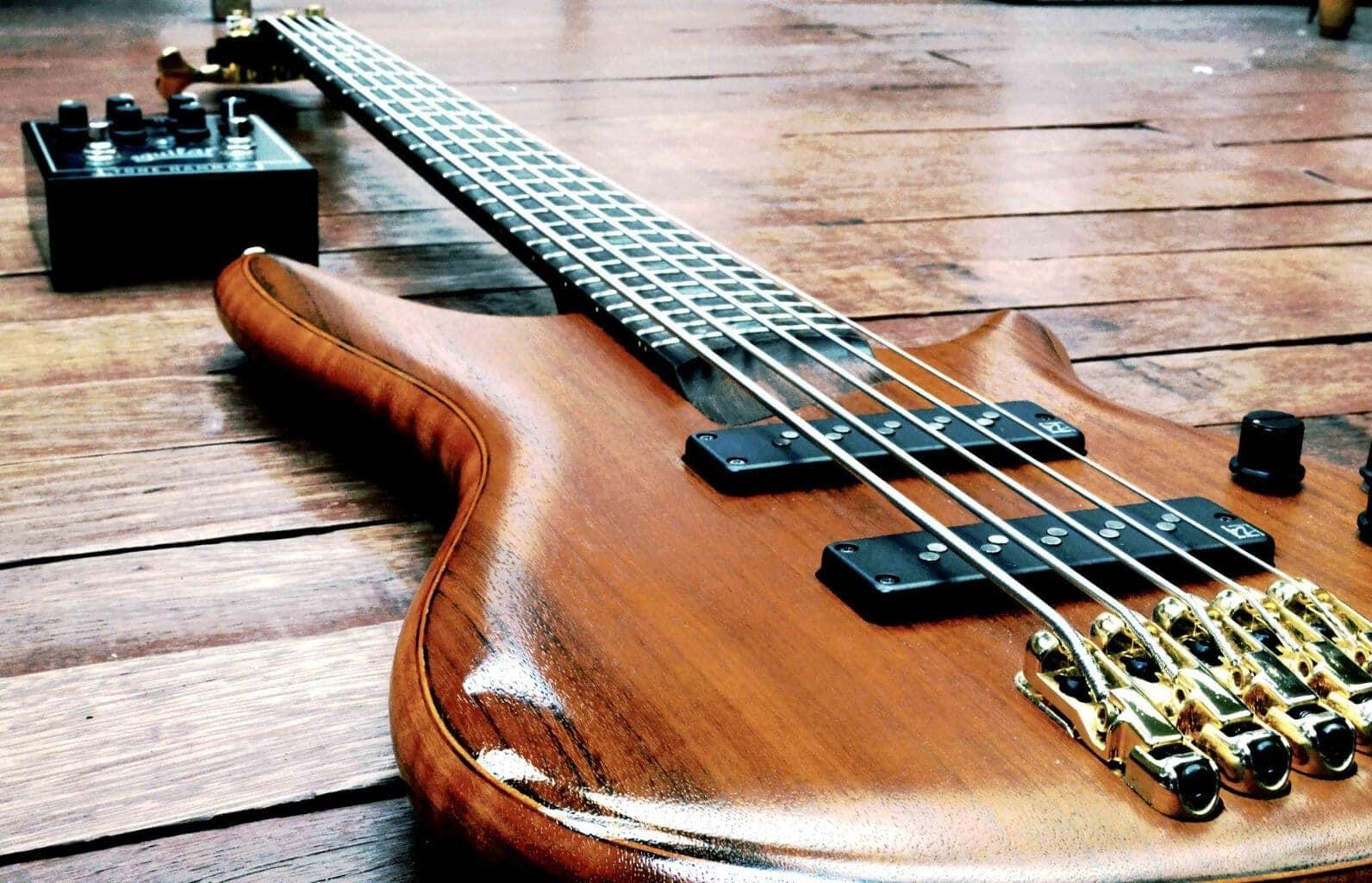 choisir-ses-cordes-de-guitare-basse