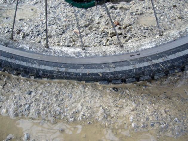 Der Reifen ist stramm aufgepumpt