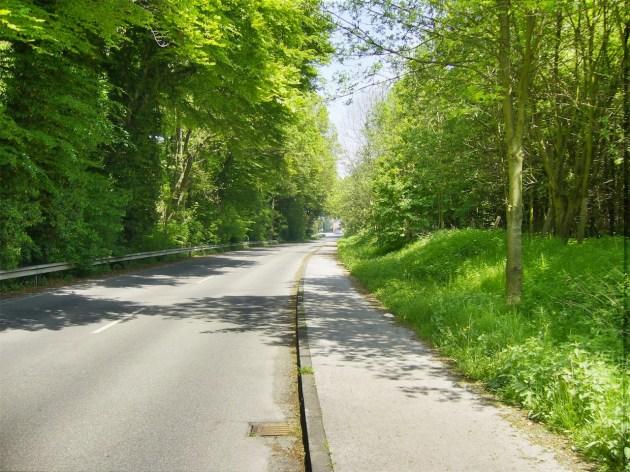 Breite Straßen, wenig Verkehr