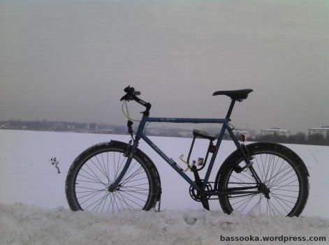 Schnee erspart einen Fahrradständer