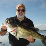 Peixes grandes... Este não é meu, mas é grande e quem o pescou estava feliz e gostou da minha ajuda