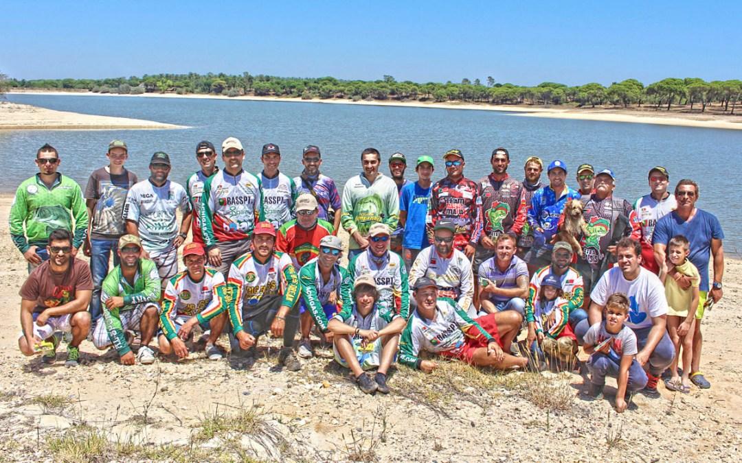 Convívio solidário de pesca ao achigã