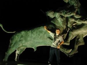 Enquanto esperavamos pelo Charrua, o Silva mostra como domar um touro