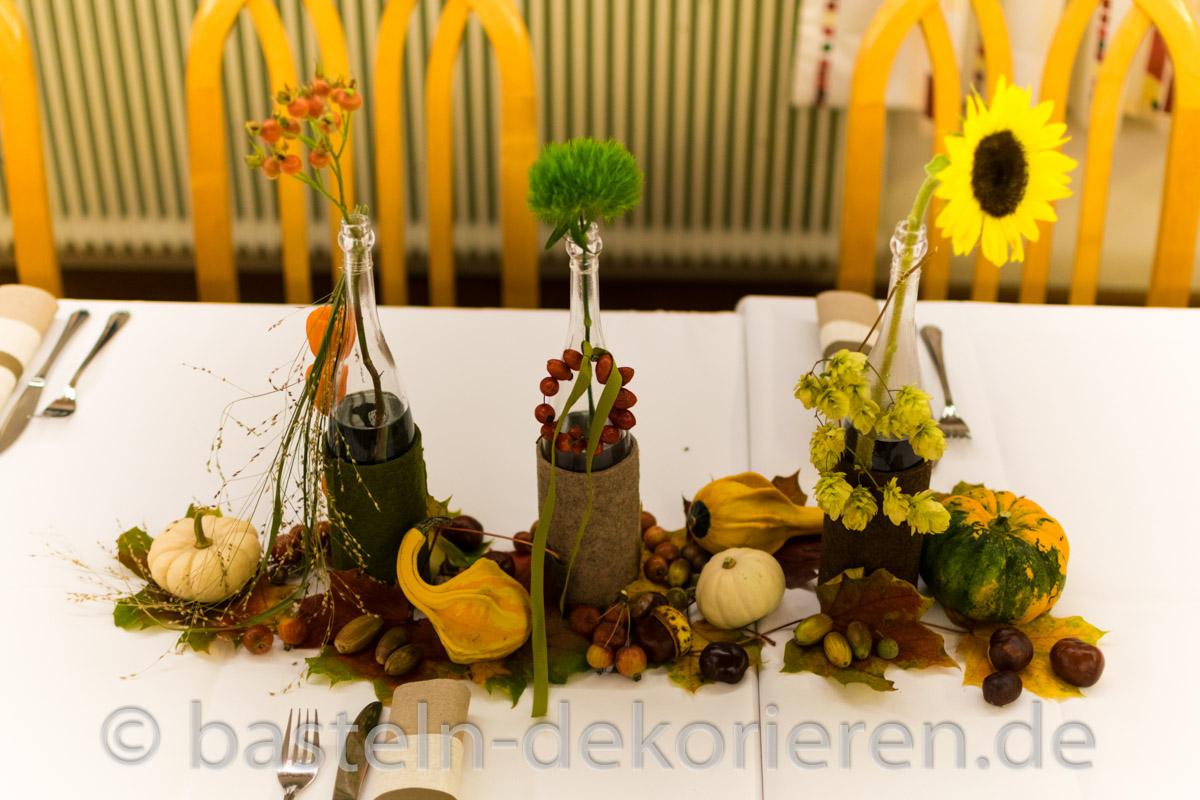 Tischdeko herbst basteln mit kindern  Herbstliche Tischdekoration Basteln - Planbois