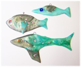 Bild507 Fischfamilie Glasanhaenger türkis Fenszter