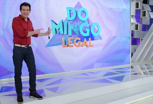 """Domingo Legal"" estreia novo quadro, o ""Arquibancada do Riso"""