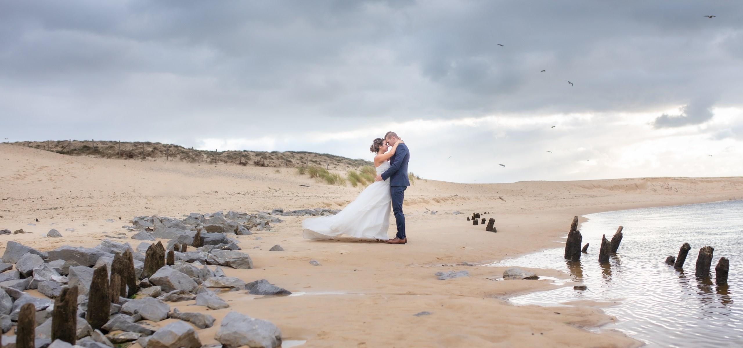 séance photo mariage plage courant d'huche
