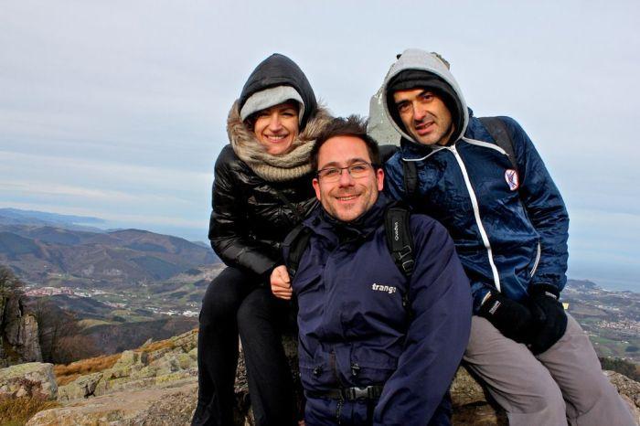 Selfie desde la cima del Adarramendi.