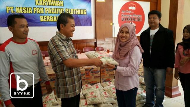©batas.id/reymond supriyanto/camat kismantoro dan tanti (karyawati pt nesia pan pasific clothing wonogiri)