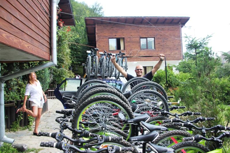 Biciclete in remorca si pe portbagaje auto
