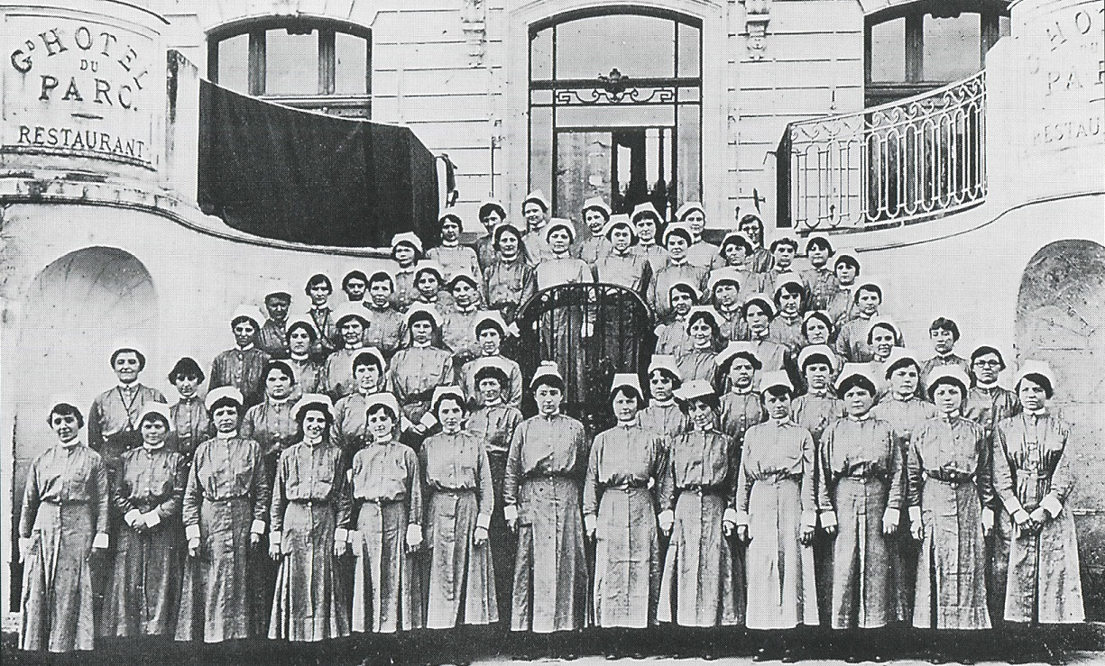 """history of community nurse Moorestown vna expenses were paid through the generous contributions of  members of the community nursing visits were designated as """"pay"""", """"friendly""""  and."""